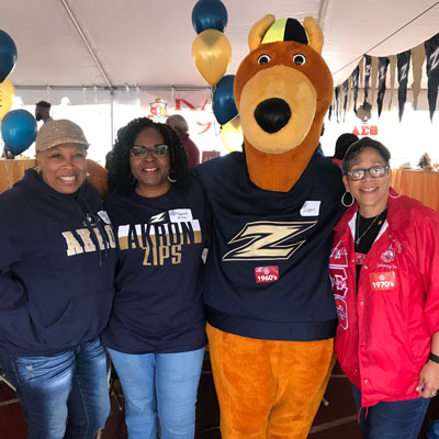 The Black Alumni Association tailgate group photo