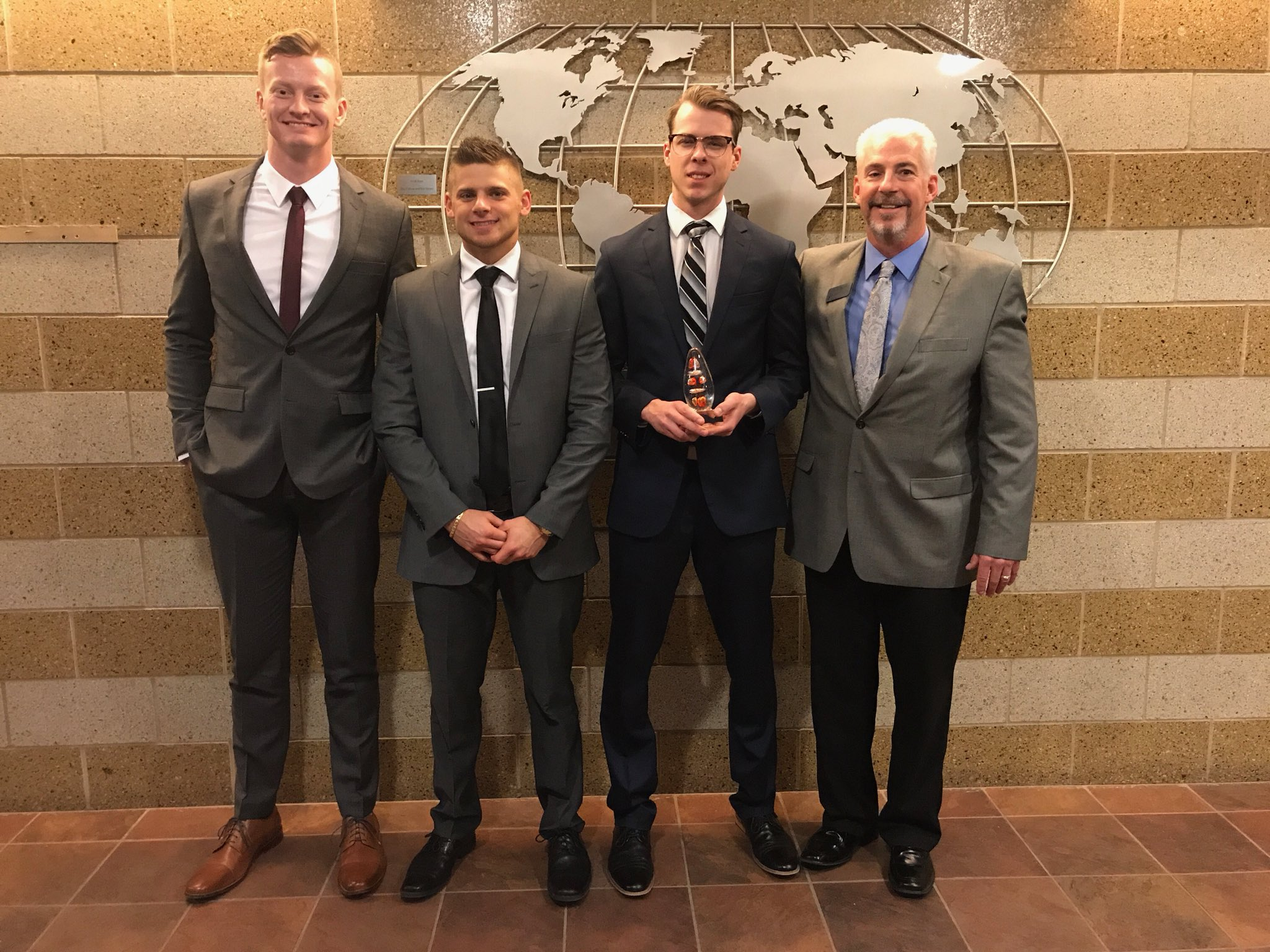 Marketing Students Place 3rd in Sales Competition