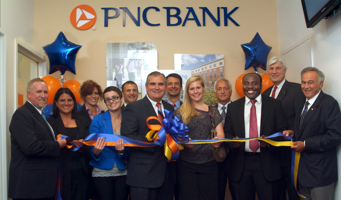 PNC Bank donates $500,000 to support student success at UA
