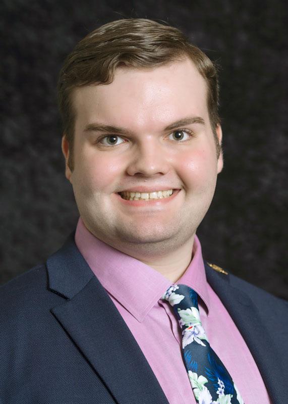 Logan Dusseau headshot 2021 student speaker at graduation