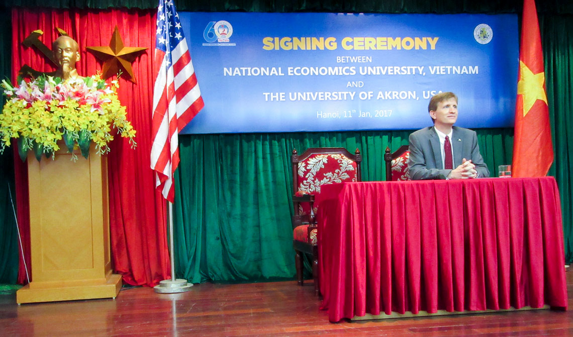 President Wilson speaks in Hanoi