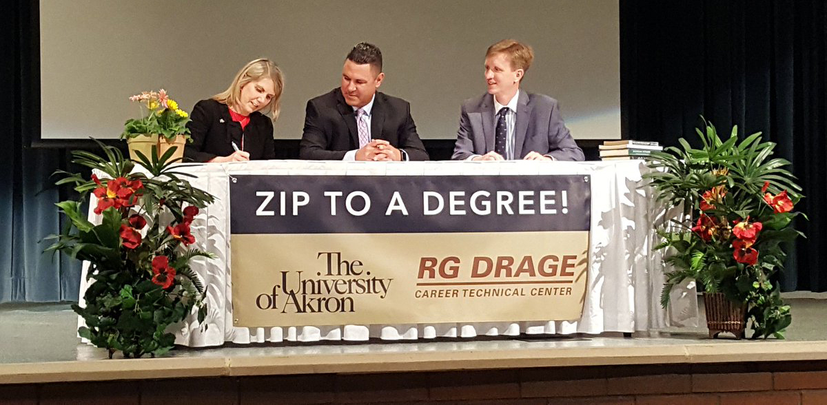 Zip to a Degree signing-1200