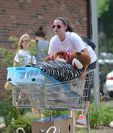 Residence Hall Move-in : The University of Akron