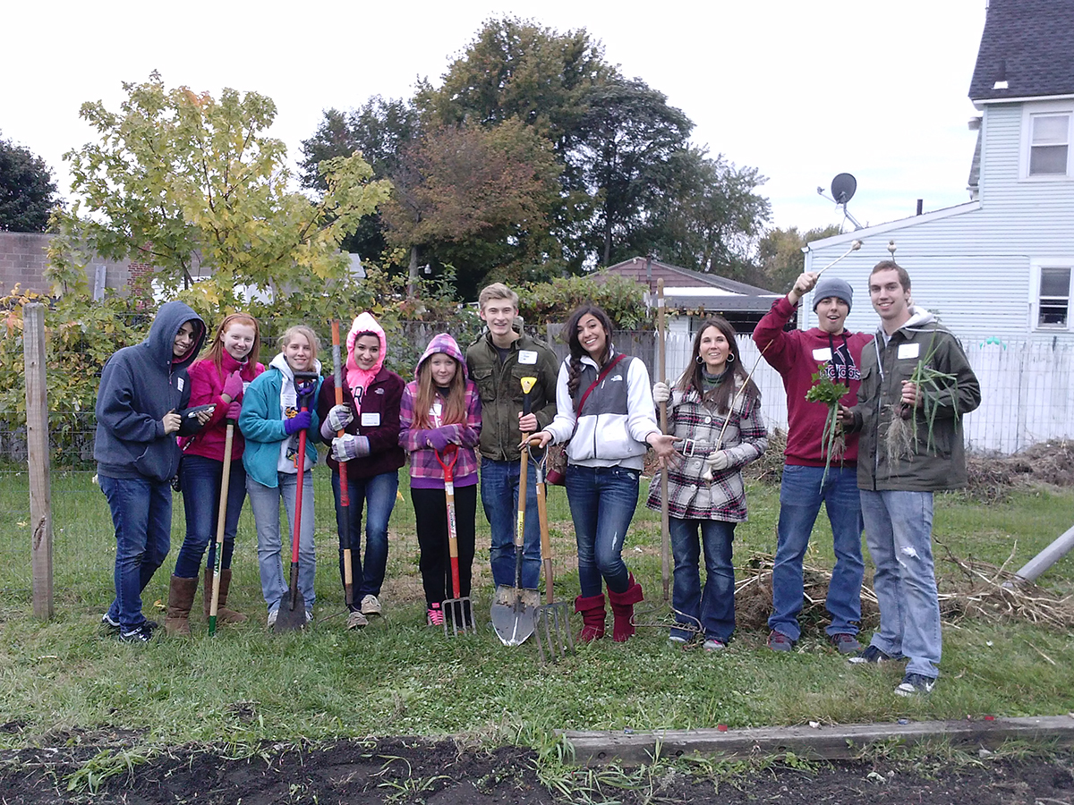 Students volunteering on Make a Difference Day