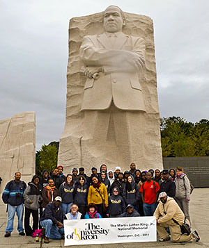 UA students at MLK Jr. Memorial